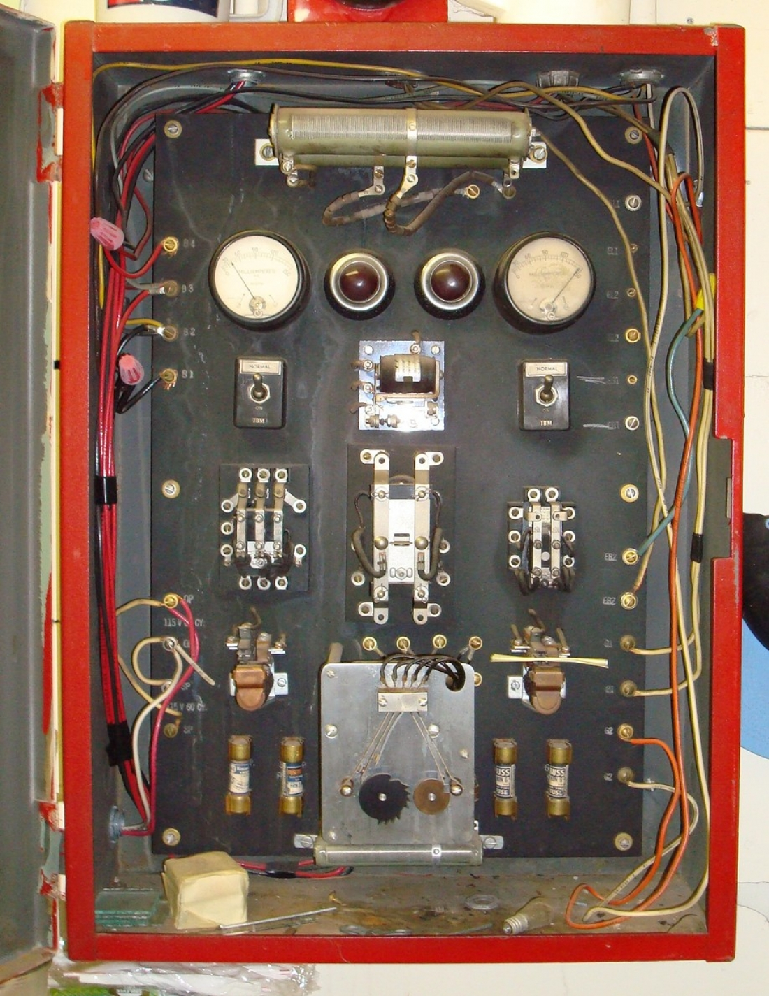 Old School Fire Alarms Alarm Control Panels Wiring A Panel Facp Is Absolutely Essential To Any System Just As The Brain Controls Body